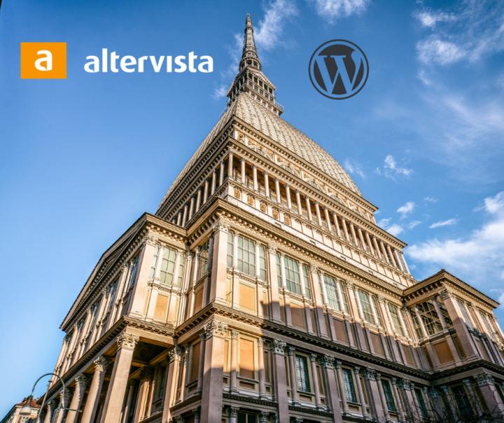 Mole antoneliana con i loghi di Altervista e WordPress sullo sfondo